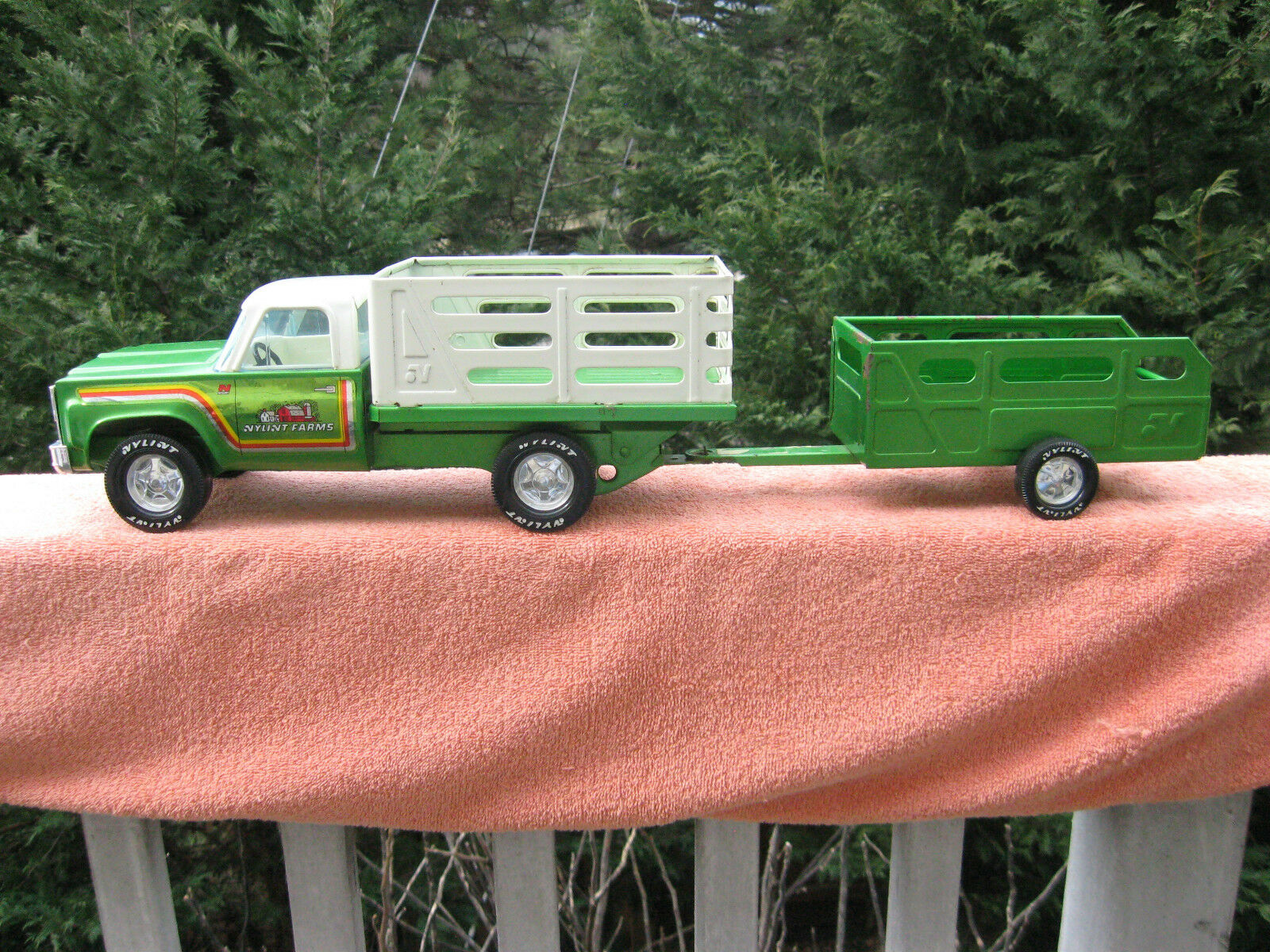 Vintage 1970's Nylint Farms Pressed Steel Stake Bed Pickup Truck & Trailer 25  L