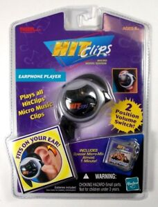 TIGER-ELECTRONICS-HITCLIPS-EARPHONE-PLAYER-W-O-TOWN-BABY-I-WOULD-SINGLE-2002