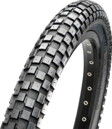 Maxxis Holy Roller 26 x 2.20 Tire, Steel, 60tpi, Single Compound