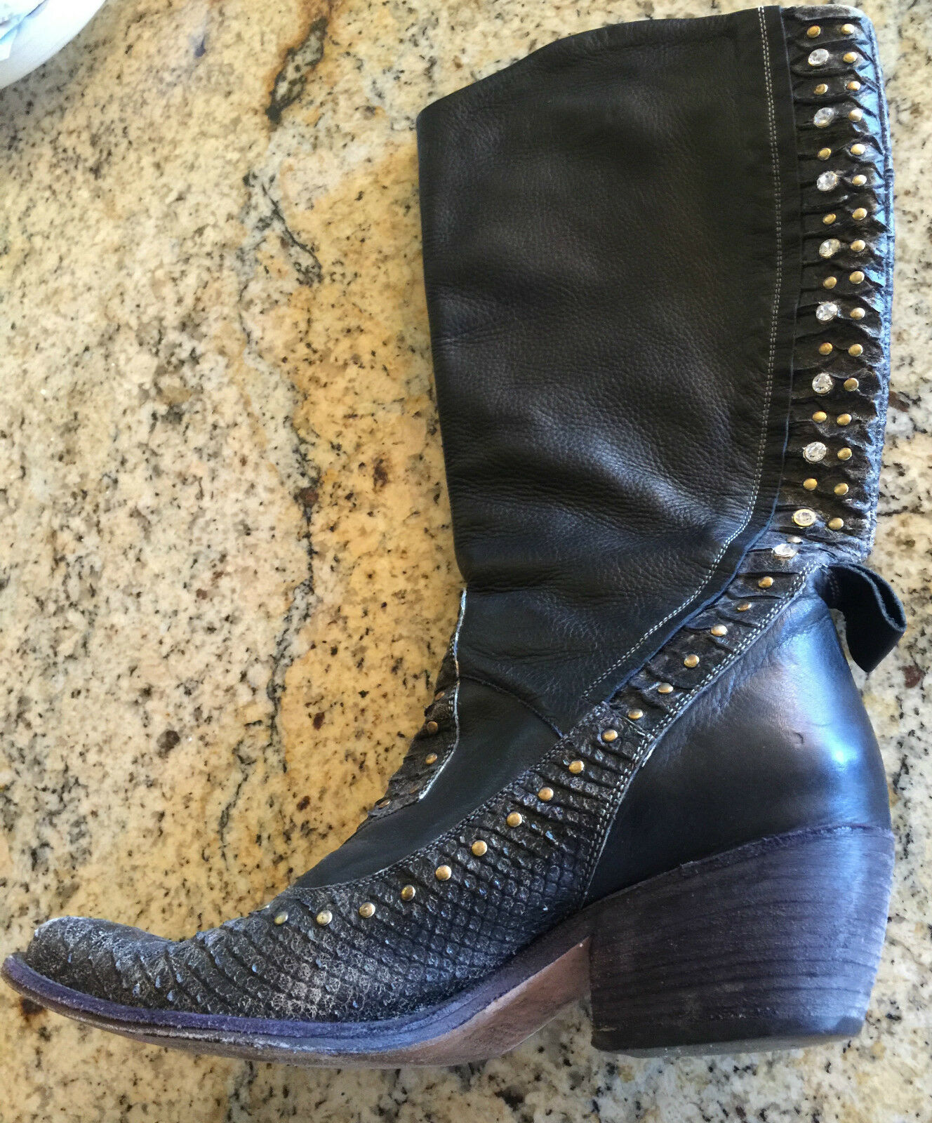 El Vaquero Black Leather DISTRESSED DISTRESSED DISTRESSED Boots with Rhinestones Size 39 a820f4