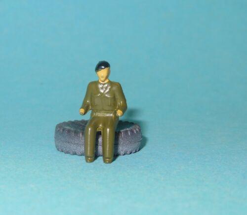 DTGB352.1 Militaire conducteur peint pour véhicules militaires  DINKY TOYS GB