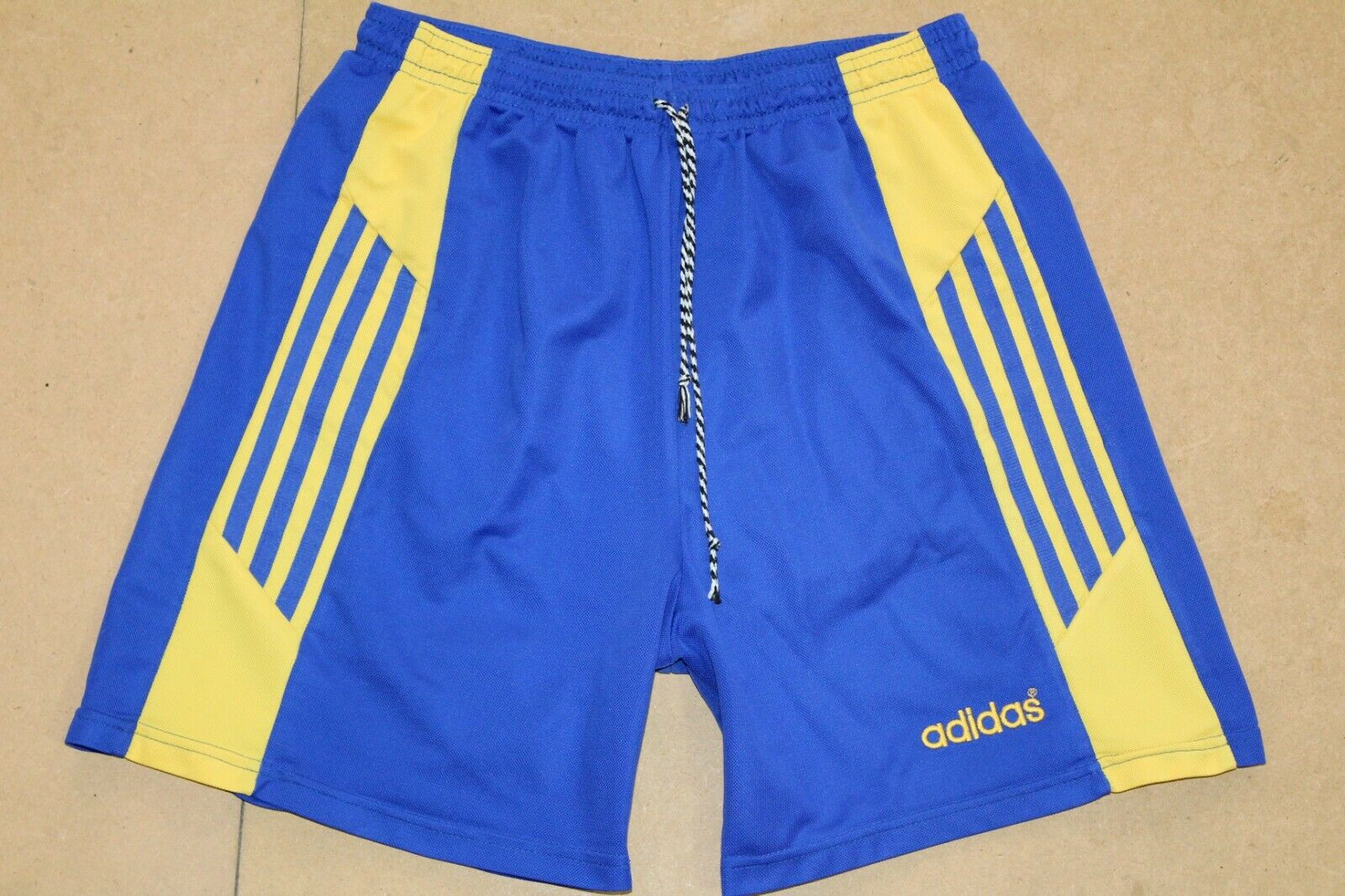 ADIDAS 90'S VINTAGE TEMPLATE FOOTBALL SHORTS,RETRO,D7,SIZE:LARGE