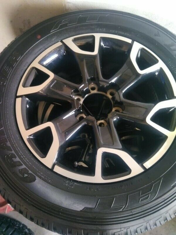 """18""""Toyota Legend 50 original mag with brand new 265/65/18 Dunlop AT to use for spare R3800"""