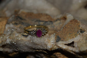 LADIES-10KT-RUBY-DIAMOND-CLUSTER-RING-SIZE-6-75-2-6-GRAMS