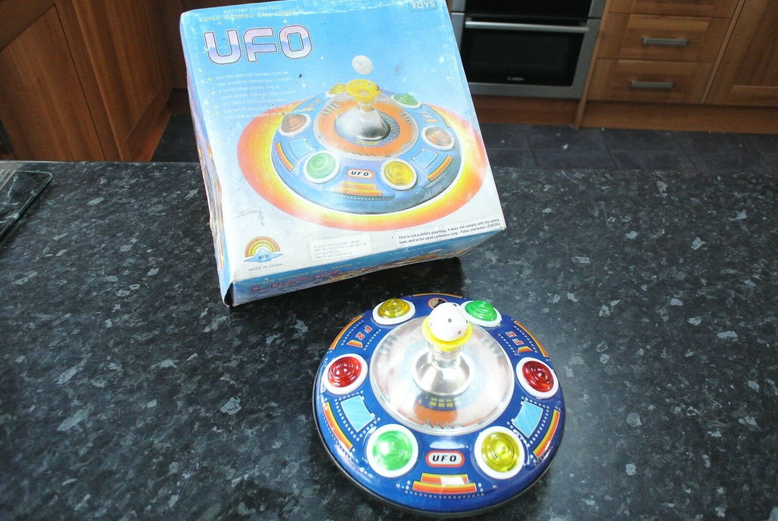 Vintage 1970s BALL BLOWING Battery Operated UFO
