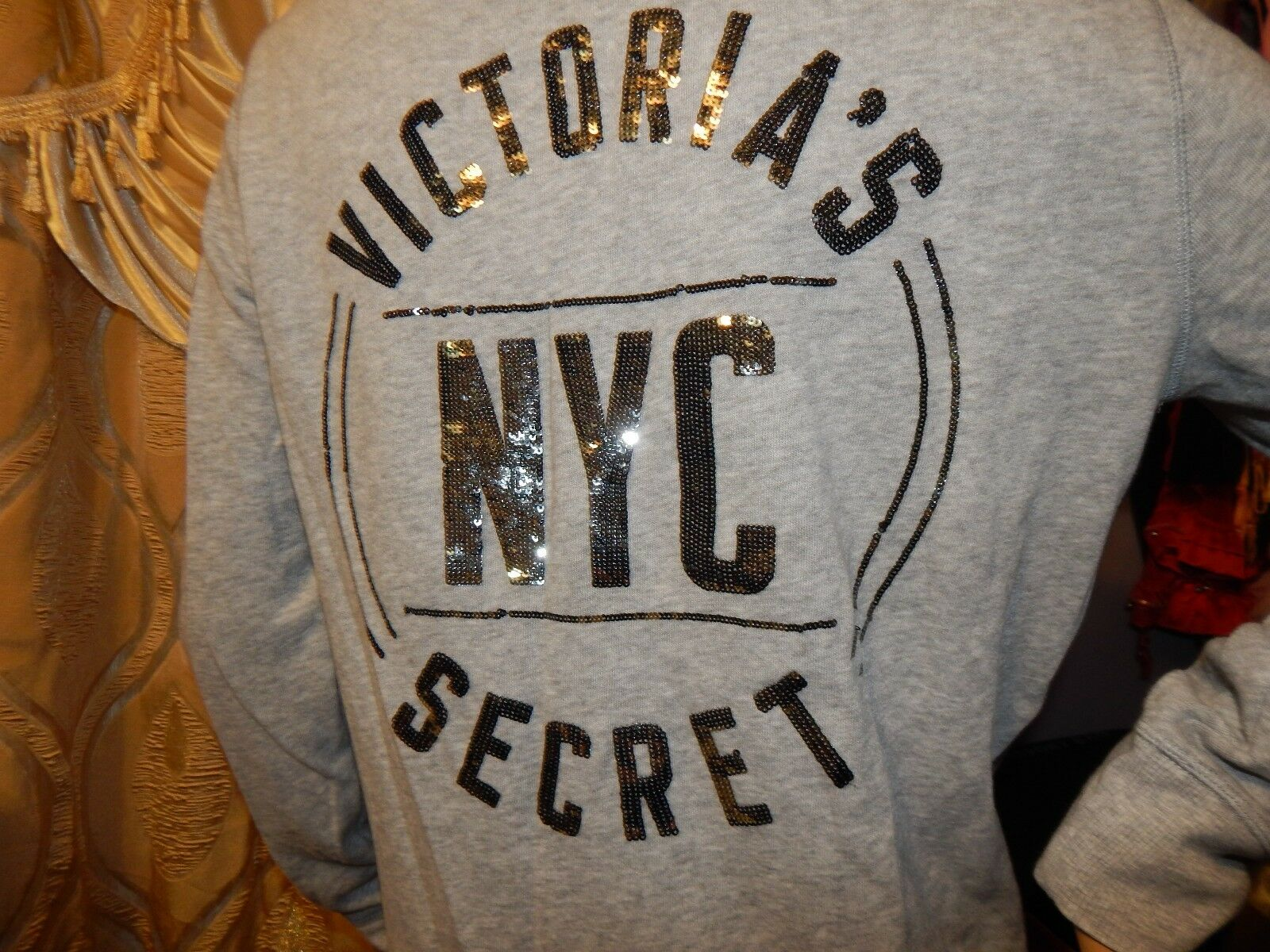 NWT NWT NWT Victoria's Secret Zip hoodie Size Medium ce95ce
