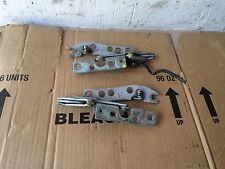 BMW OEM E39 540 528 530 M5 97-2003 PAIR LEFT AND RIGHT FRONT HOOD HINGE SUPPORT