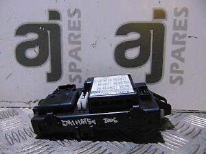 DAIHATSU-TERIOS-1-3-Benzina-2006-Scatola-dei-fusibili-interna-8260087411