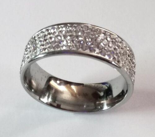 Anillo de acero inoxidable con 5 series cristales blancos