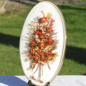 Cadre ovale doré verre bombé bouquet de fleurs séchées fond noir 37 cm vintage
