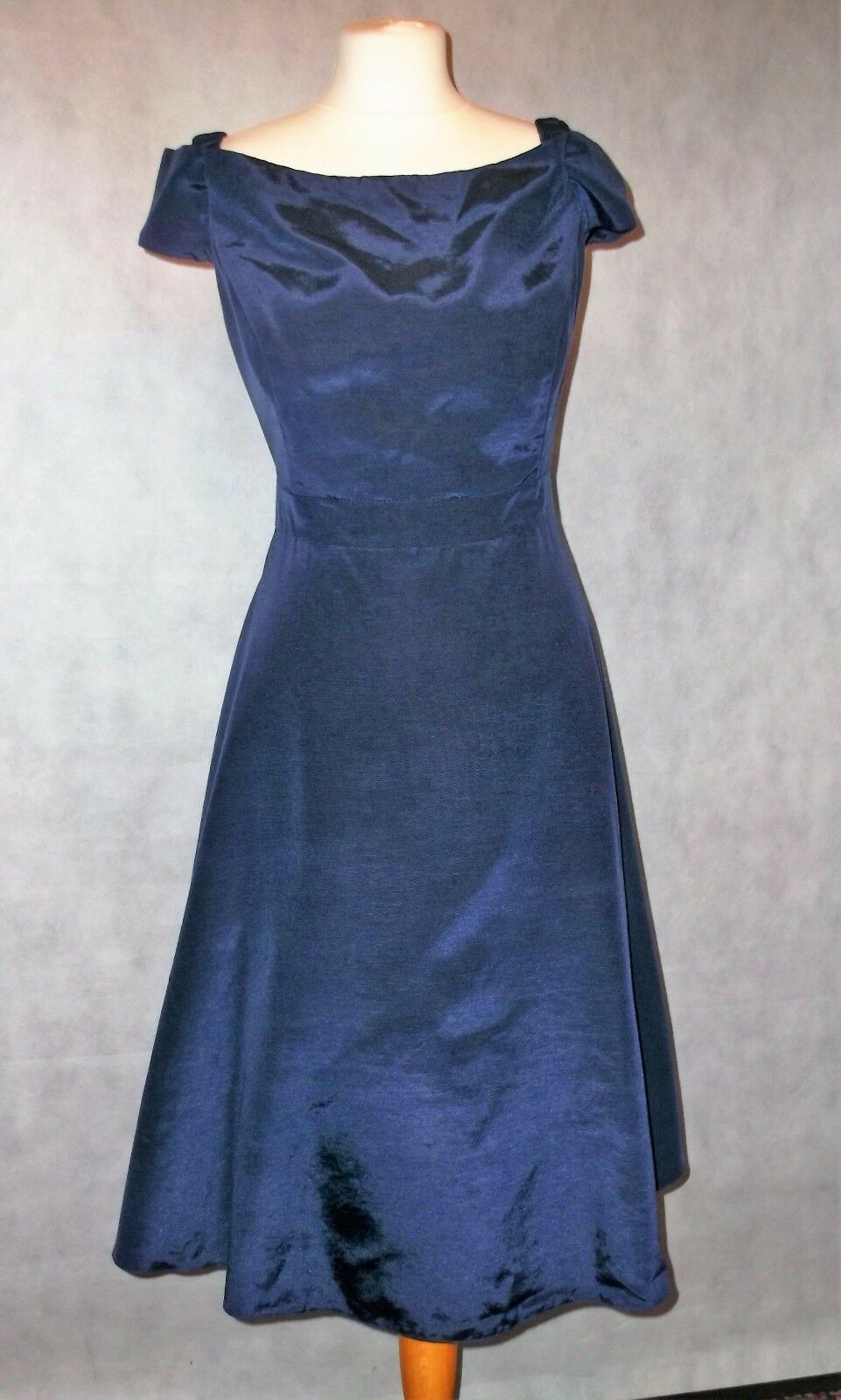 PHASE EIGHT VERY SPECIAL net evening dress 16