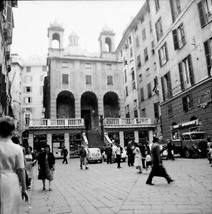GENES-c-1960-Autos-Place-animee-Italie-Negatif-6-x-6-ITAL-540