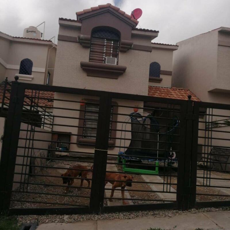 Casa de 3 recamaras en venta fraccionamiento versalles