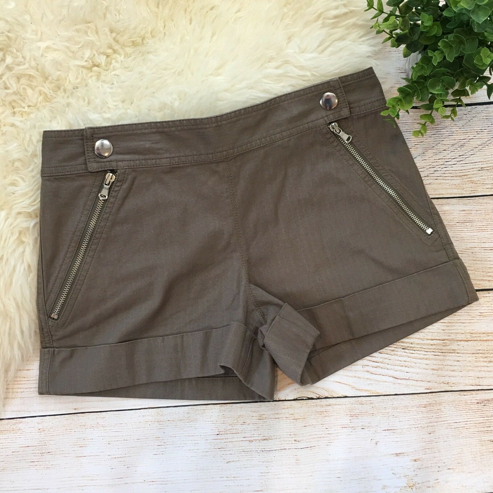 Marc By Marc Jacobs Taupe Woven Stripe Cuffed Shorts Size 4