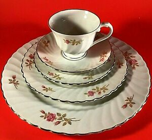 SYRACUSE CHINA COURTSHIP SILHOUETTE 5 PIECE PLACE SETTING PINK AND GOLD FLORAL