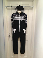 BOYS BLACK/BLUE SNOWFLAKE ONESIE/ALL IN ONE/SLEEPSUIT.SIZES 7-8 9-10 11-12 13.BN