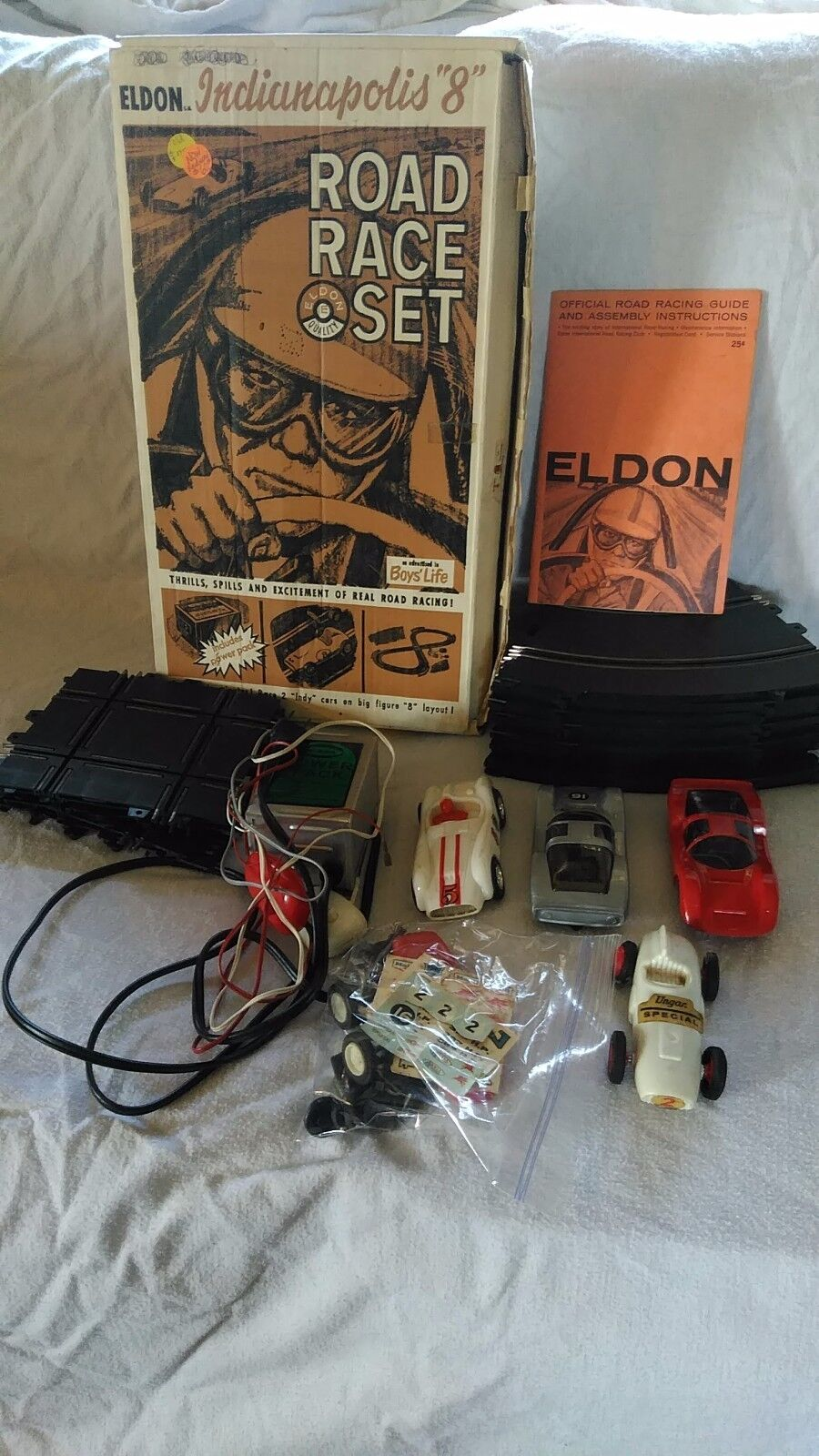 1963  Eldon Indianapolis 8 Road Race Set with Box  9814 & two Extra voitures  livraison gratuite!