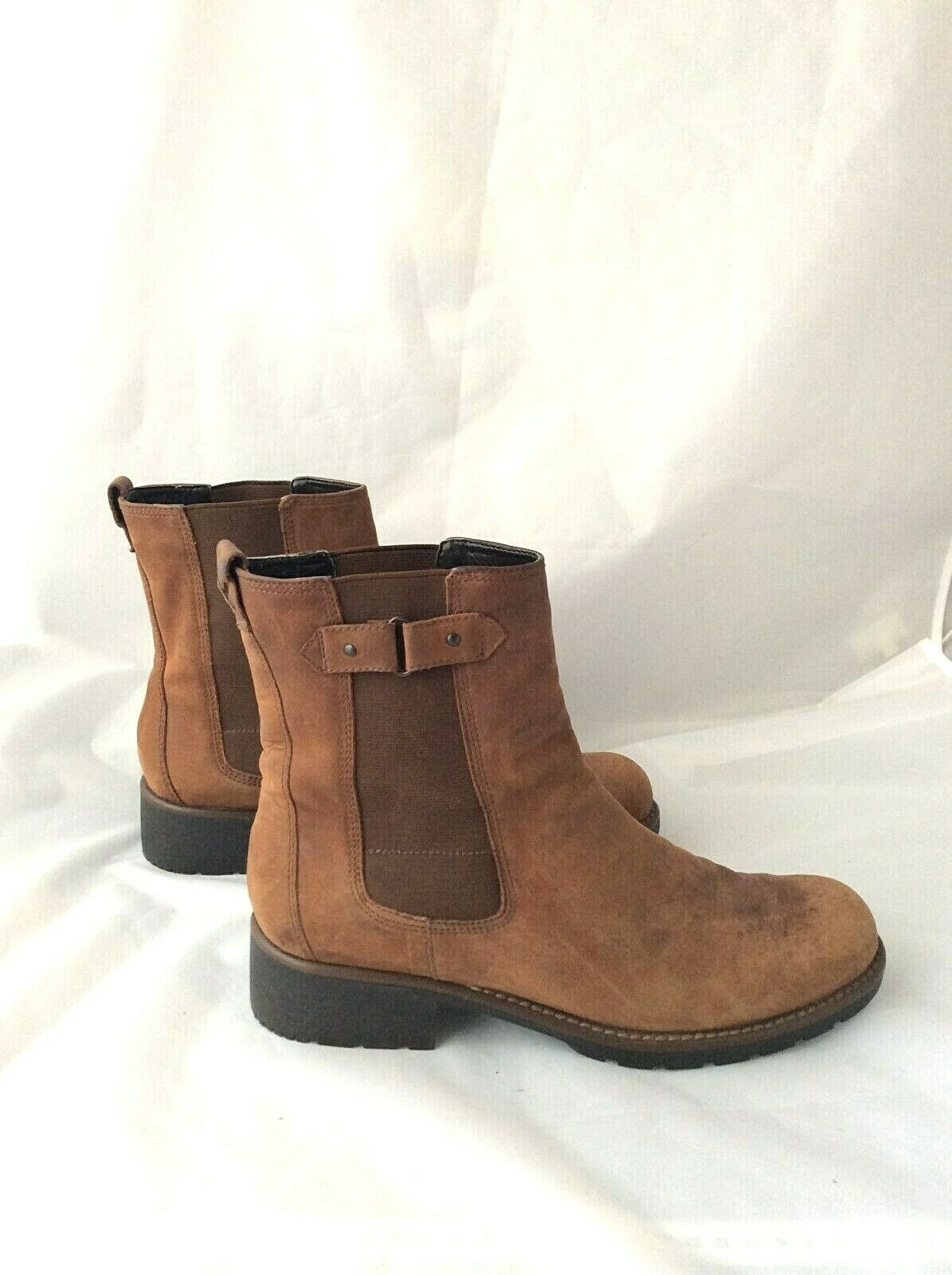 Clarks Mens Chelsea Nubuck Leather Suede Boots Size 8 Casual Pull On Tan