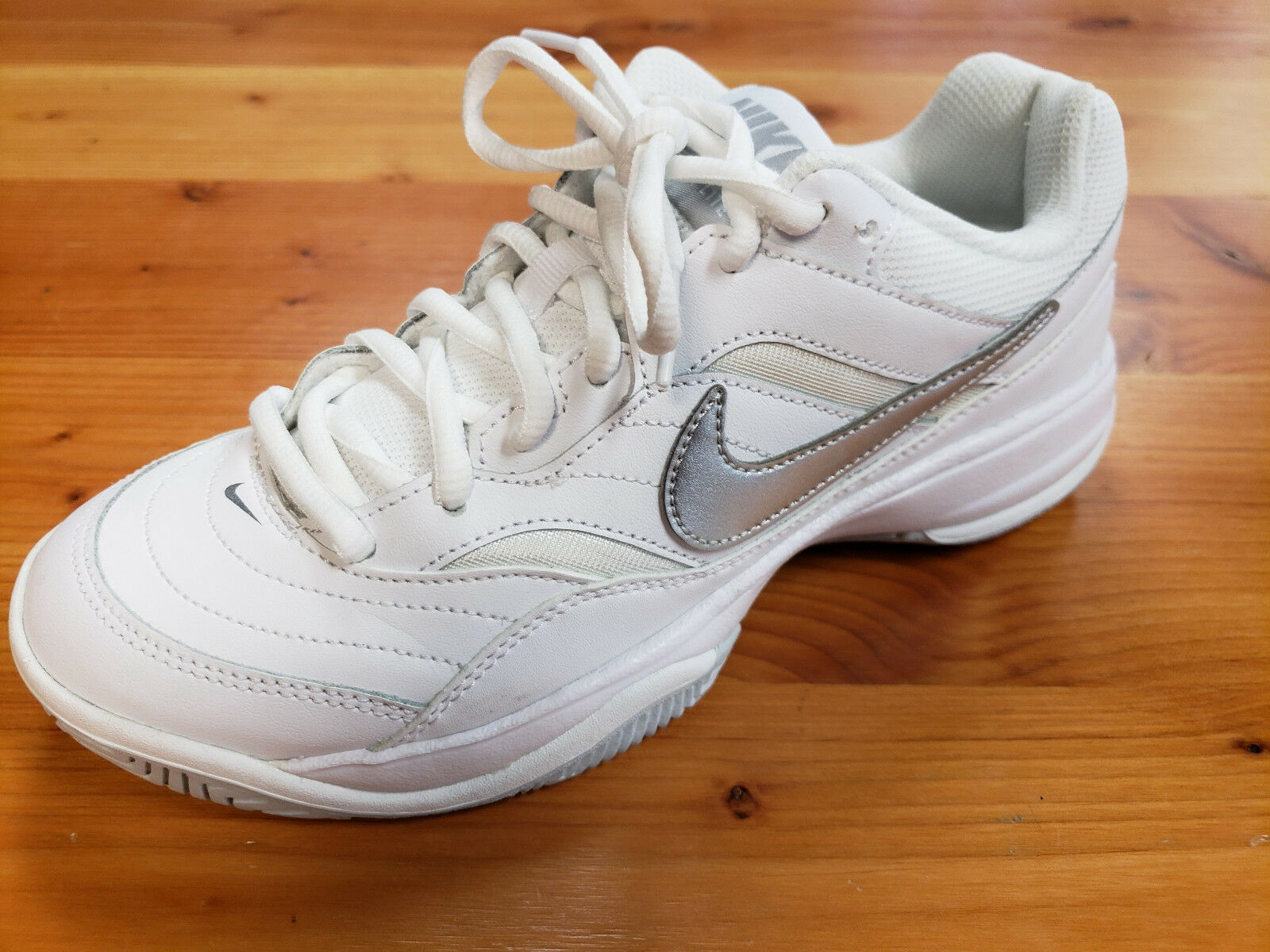Women's Nike Court Lite Preowned Tennis shoes Size Size Size 7.5 d6658c