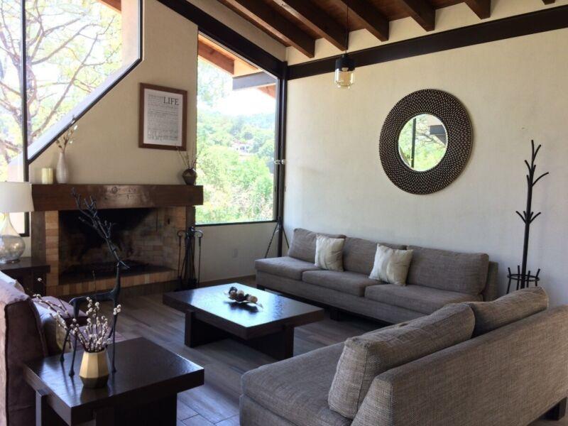 Casa en venta  Chalets Montsalvat  en  Valle de Bravo HOTEL LOTO AZUL