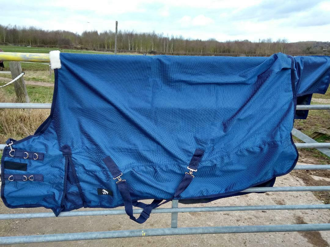 John Whitaker Jim 100g, 1200 Denier Lightweight Turnout Rug, Navy Dot, 5'9-6'9