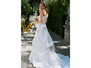 David-039-s-Bridal-Wedding-Dress-Gown-New-Size-6-Style-WG3025-one-shoulder-taffeta
