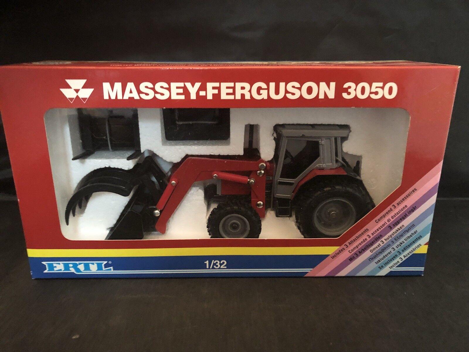 Ertl Massey Ferguson 3050 1 32 scale NIB