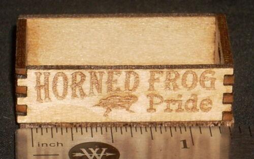 Dollhouse Miniature Horned Frog Pride Crate 1:12 Market Farm Fruit Texas Produce