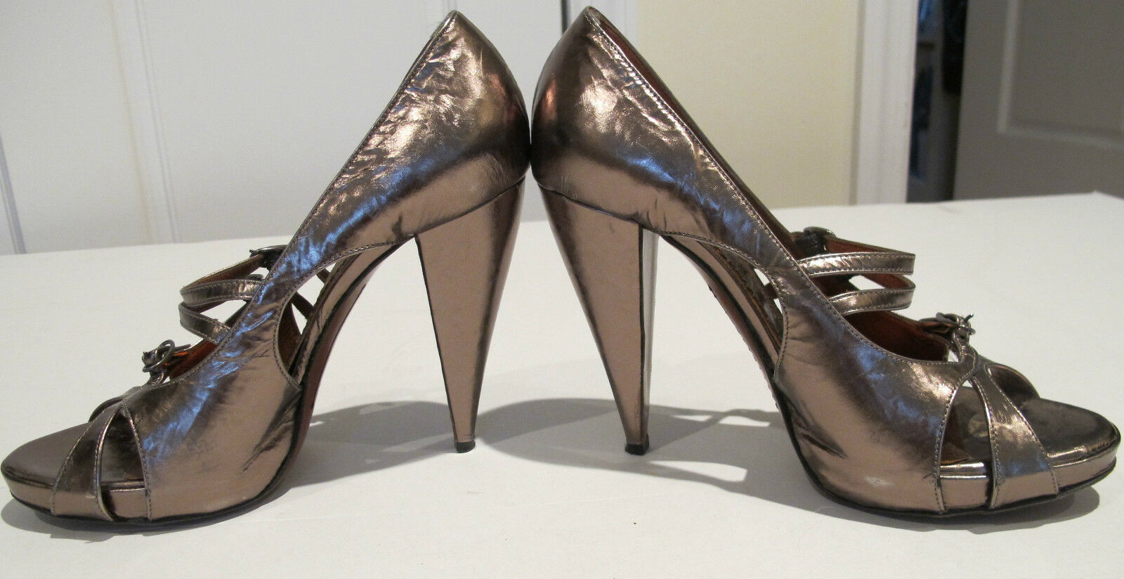 Jonathan Kelsey Chic Metallic Rose Gold Open Toe Cone Heel Pumps Größe 37