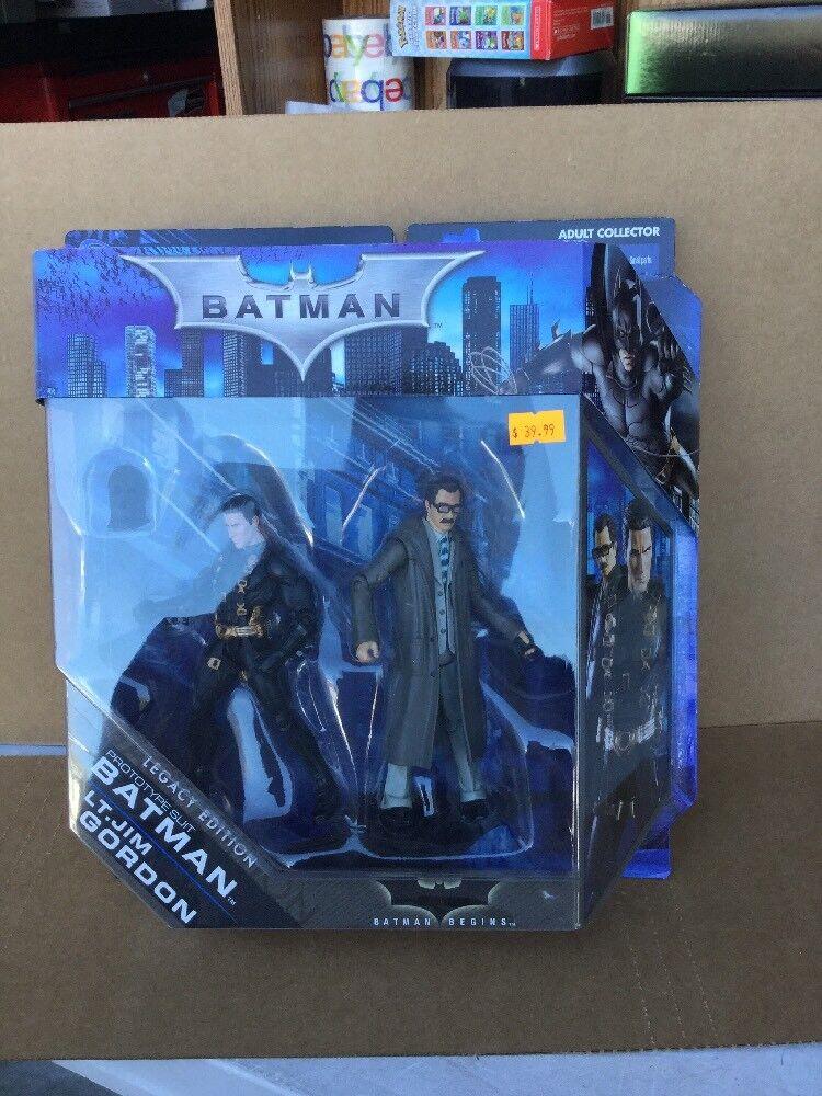 Predotype Suit Batman & Lt. Jim Gordon Collector Batman Legacy Batman Begins 2pc