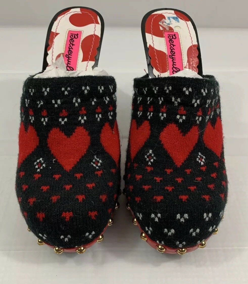 BETSEYVILLE LESLIE Hearts Knit Black And Red Clog shoes Women's Size 6.5M
