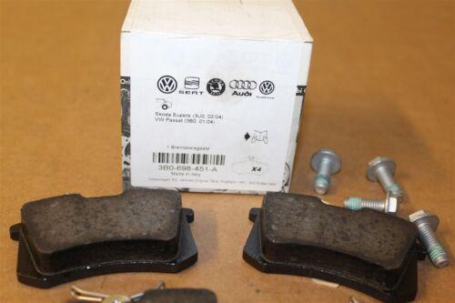 VW Passat B5 Skoda Superb 3U Rear Brake Pads NOT 4MOTION 3B0698451A Genuine VW