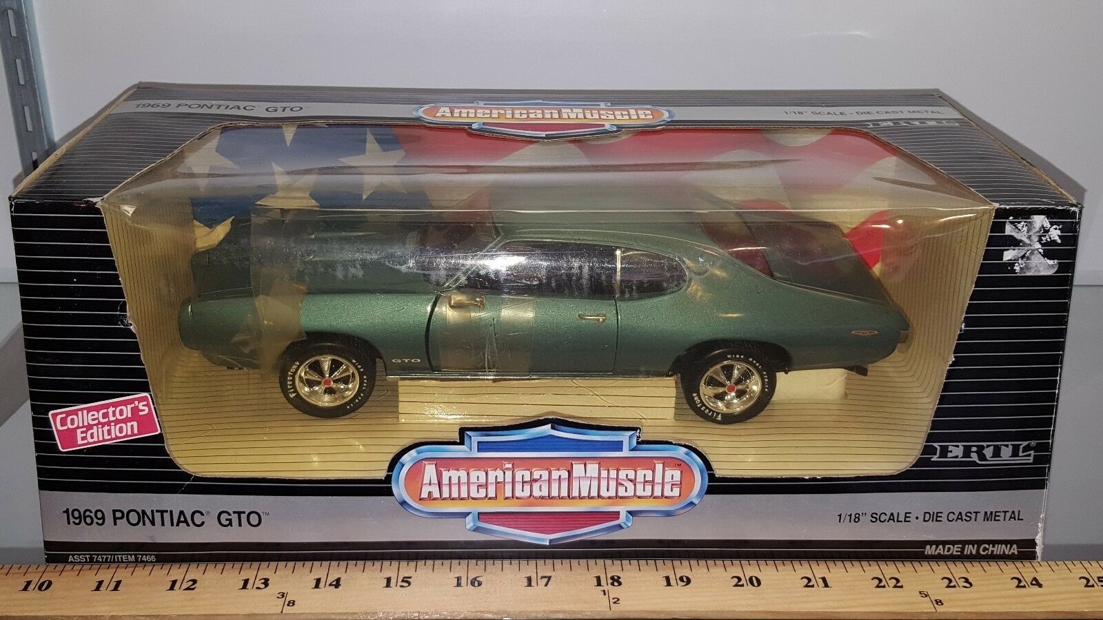 1 18 ERTL AMERICAN MUSCLE 1969 PONTIAC GTO CRYSTAL TURQUOISE rd