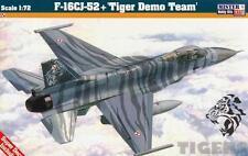 F -16 C-52+ FALCON (POLISH AF TIGER DEMO TEAM MKGS) D115 1/72 MISTERCRAFT
