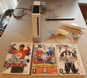 Nintendo-Wii-Console-3-Games-Bundle