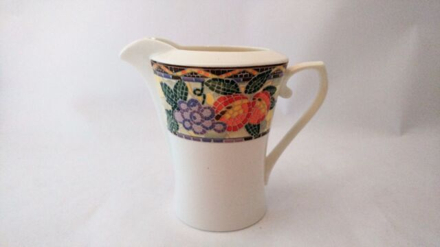 Mikasa HK704 Chelsea Court 8oz Creamer in Excellent Condition