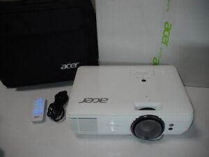 Acer-M550-Projector-Beamer-4K-UHD-3840-x-2160-3000-Ansilumen-Ultra-HD