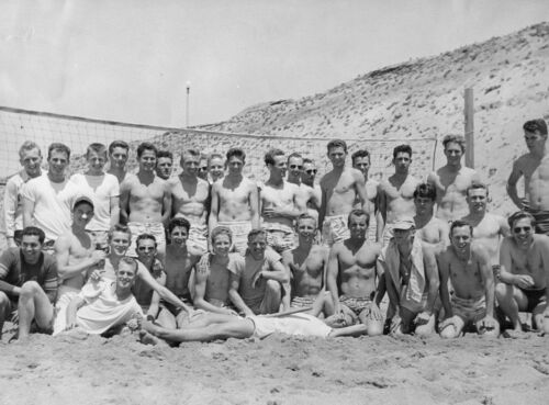Vtg B/&W 1920/'s 1930/'s BETA PHI Frat Photo Boys Vollyball Team Gay Interest 426