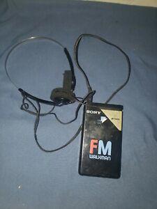 Vintage-Sony-Walkman-SRF-16W-FM-Radio-Portable-Tested-with-MDR-010-Headphones