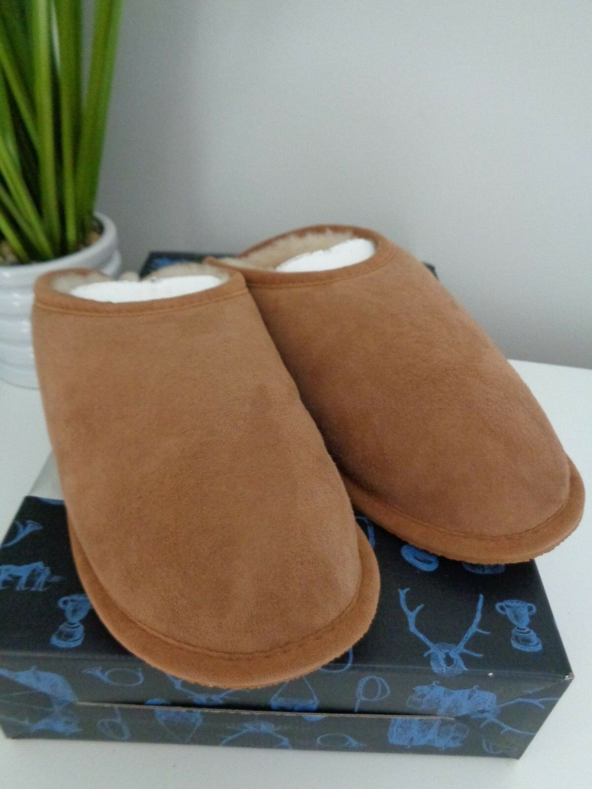 BN Joules Men's Suede Shearling Mules Slippers size S