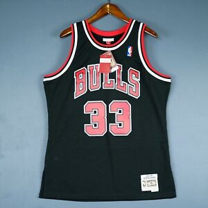 huge selection of 4ad4e b43f9 Details about 100% Authentic Scottie Pippen Mitchell Ness Bulls Swingman  Jersey Size M 40 Mens