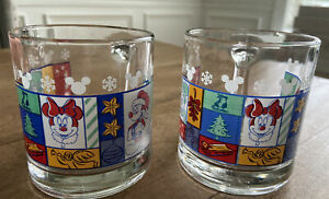 2 VINTAGE DISNEY MICKEY & MINNIE MOUSE HOLIDAY CHRISTMAS FROSTED GLASS MUGS USA