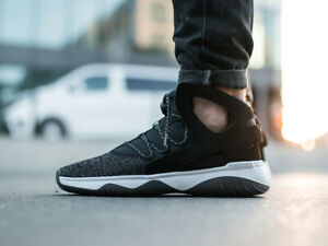 Nike-Air-Flight-Huarache-Ultra-Noir-Baskets-Montantes-880856-001-UK-9-EUR-44
