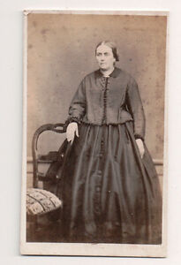 Vintage-CDV-Sever-looking-French-woman