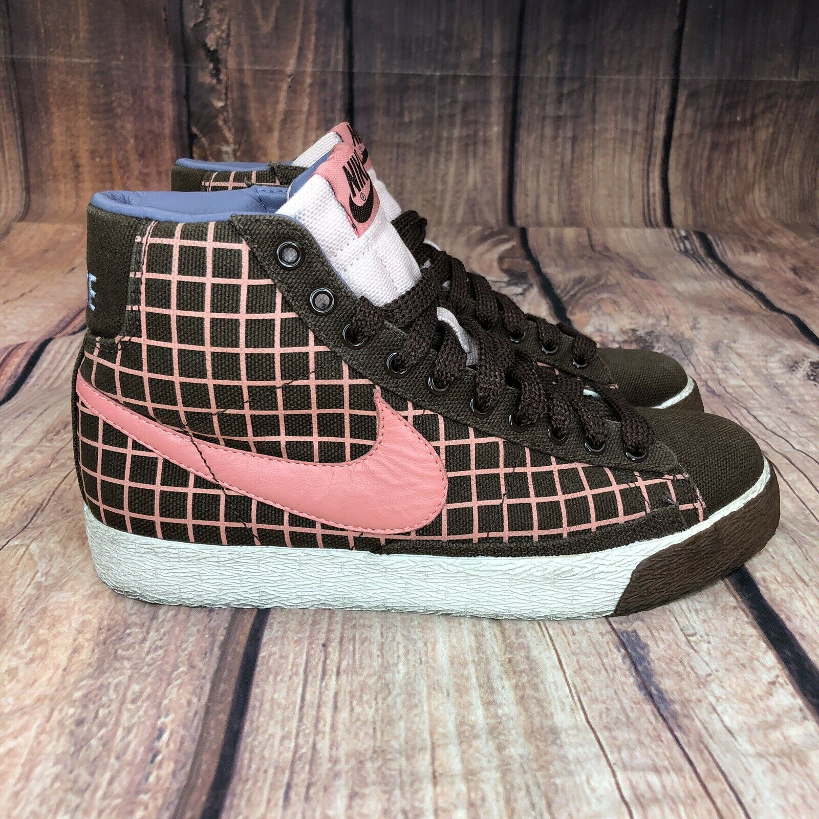 Nike Air Blazer Basketball shoes Women Size 7 Athletic shoes RARE