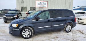 """2014 Chrysler Town & Country Touring,STOW""""N""""GO,BACK UP CAMERA"""