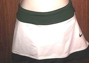 Nike Womens Med Team Issued Skrit green white