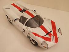 TAMIYA LOLA T70 MK III NURBURGRIN 1967 Scala 1:12