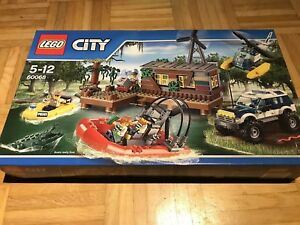 LEGO-City-Banditenversteck-im-Sumpf-60068
