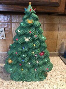 Vintage18-034-Ceramic-Lighted-Christmas-Tree-Thin-amp-Tall-Tree-Peg-Light-Butterflies